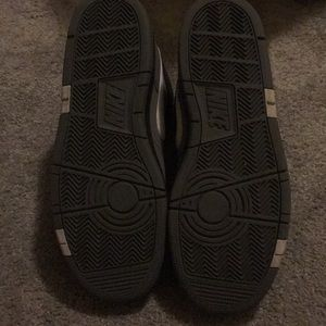 Nike Shoes - Nike shoe, Men's size 8